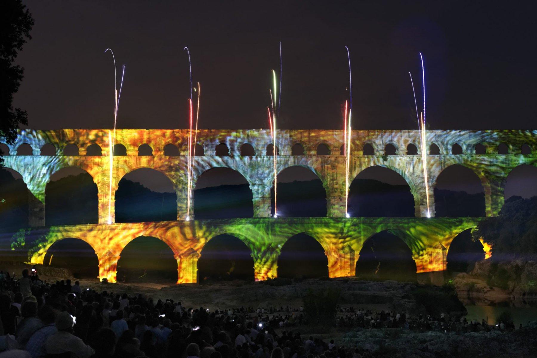 Les Feeries Du Pont Reviennent Enchanter Le Pont Du Gard